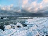zima na plaży w Kołobrzegu
