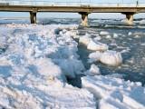 Kołobrzeg, lód przy molo