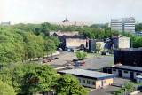 widok z latarni morskiej na parking i Baltonę