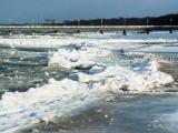 zimowa plaża w Kołobrzegu